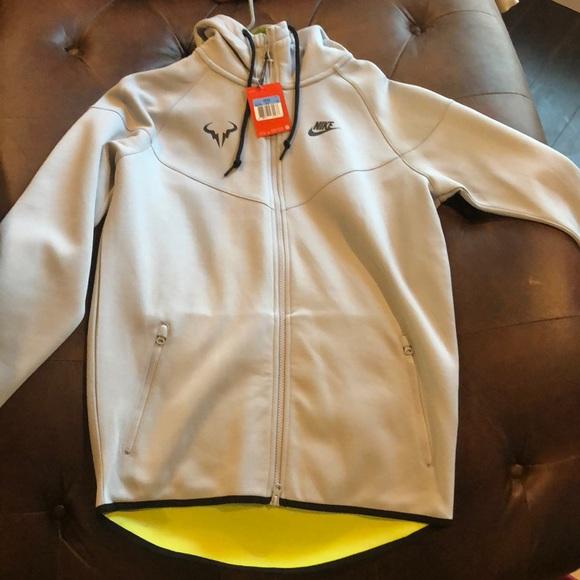 Nike Jackets Coats Mens Sz M Rafa Nadal Bull Jacket Poshmark